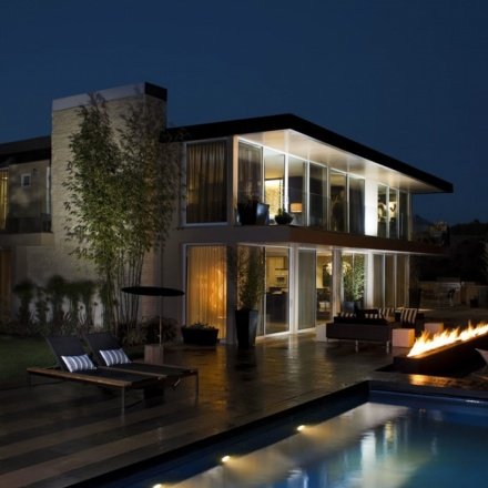 "Esquire's $18.9 million ""Ultimate Bachelor Pad"""