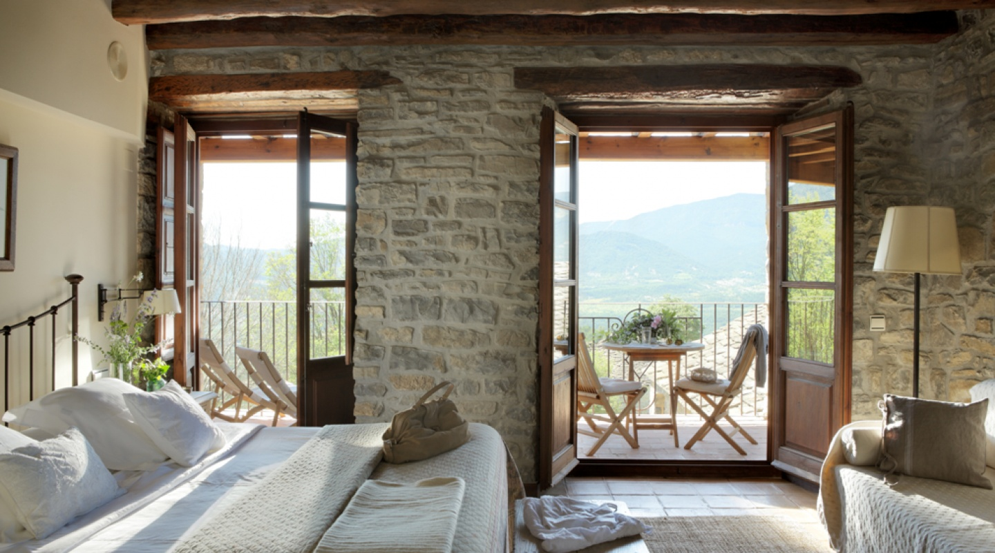 Boutique property in the Spanish Pyrenees 3