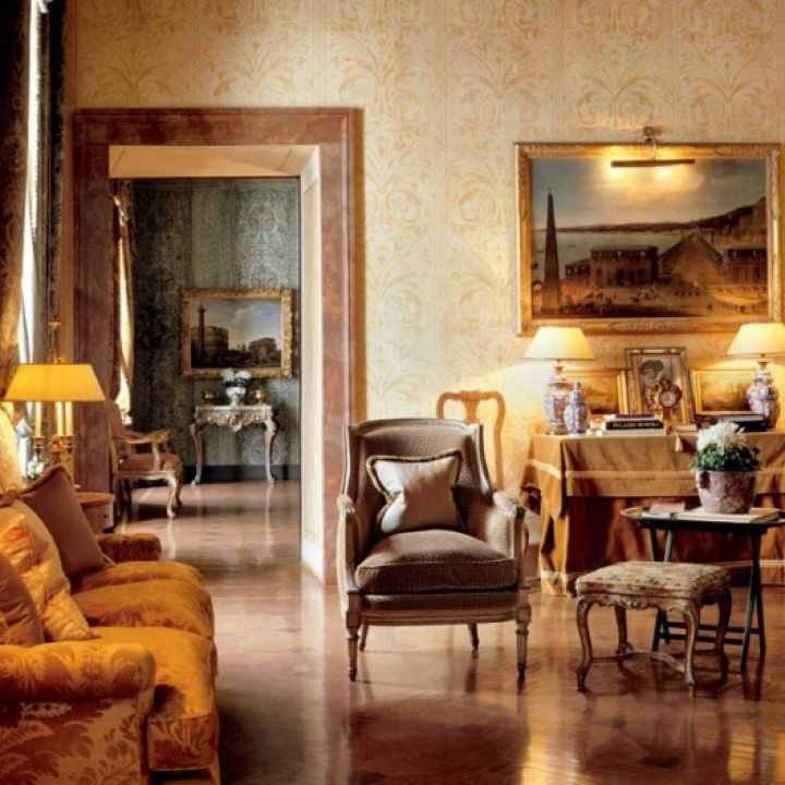 luxury apartment in turin
