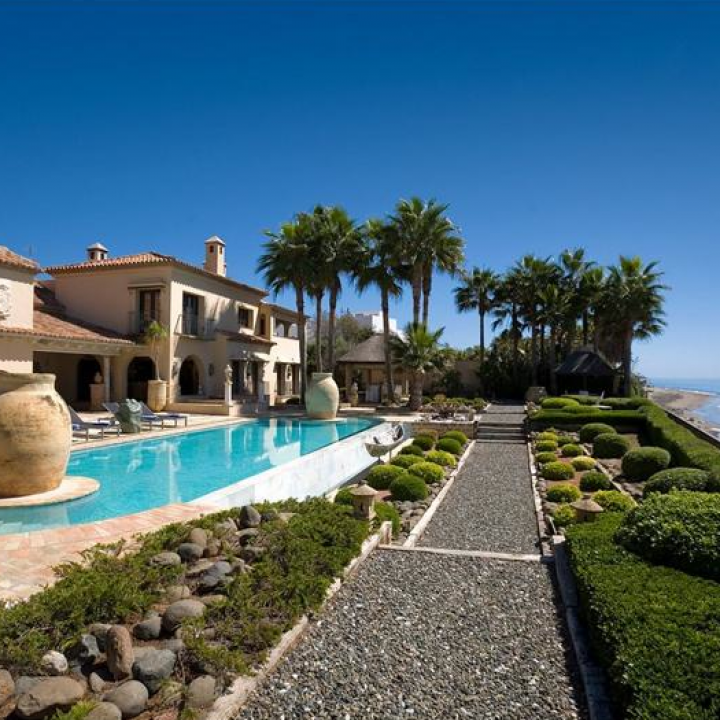 villa in los monteros spain