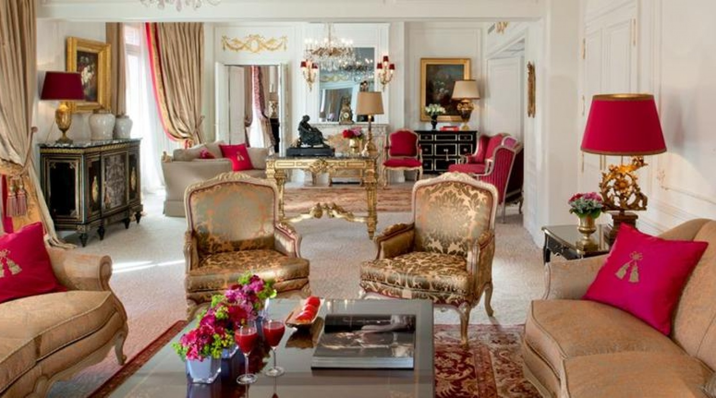 royal suite in hotel plaza athene