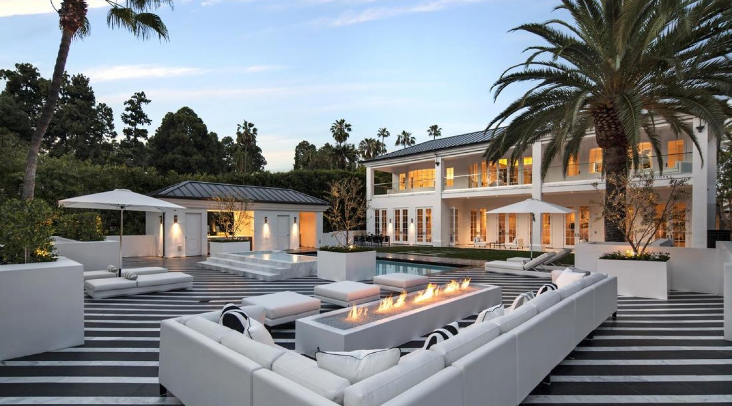 10 floyd mayweather buys beverly hills mansion