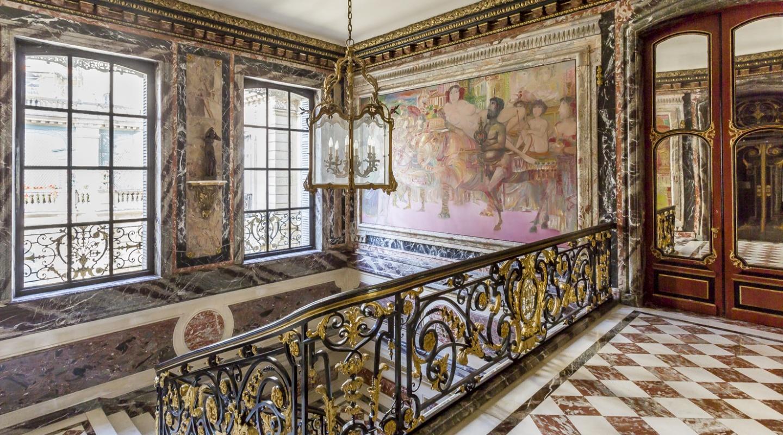 Luxury Apartment in Paris 8th, Parc Monceau For Sale - Verzun