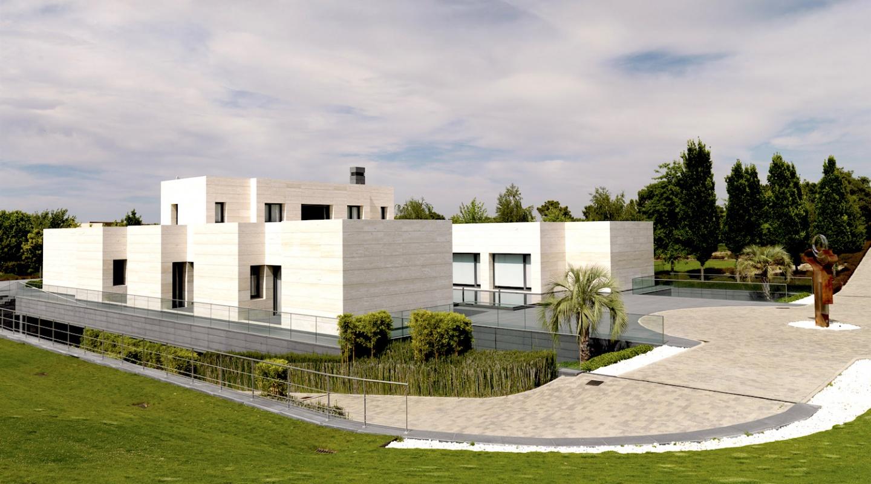 Contemporary luxury mansion in la finca pozuelo de alarc n madrid - La finca pozuelo de alarcon ...
