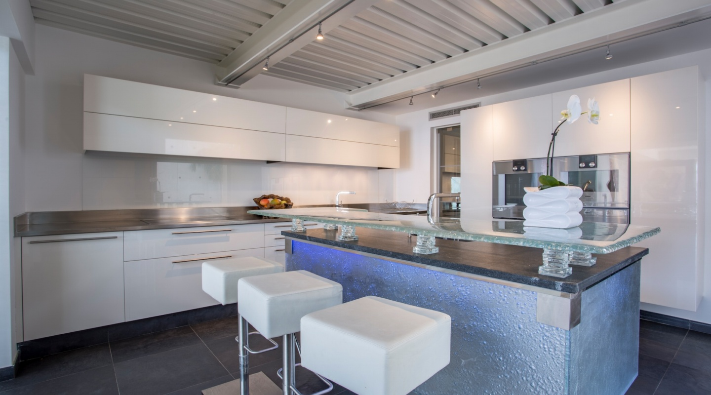 4 modern house in cannes for sale