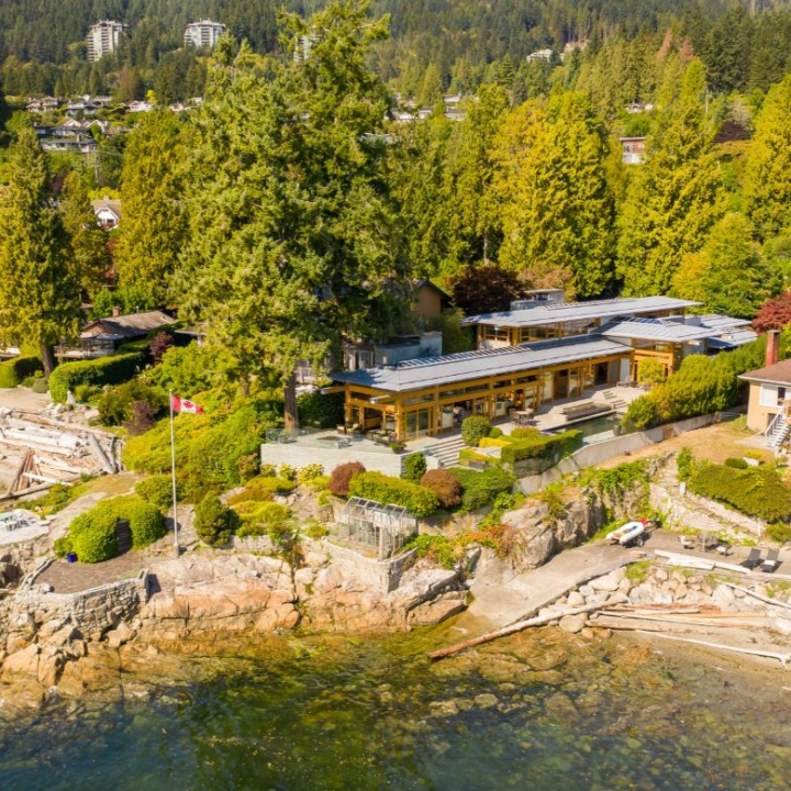 waterfront villa in west vancouver2