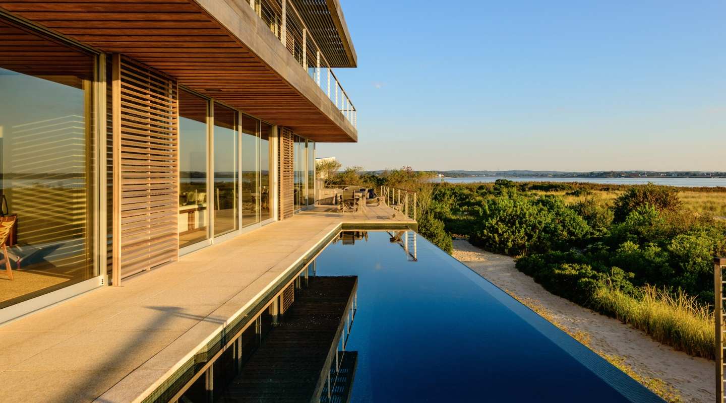 Finest luxury residential real estate in hamptons new for New york luxury homes